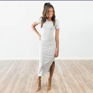 Dresses & Skirts - ☀️🌵💕Shell🐚 grey side gathered short sleeve midi